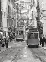 Fototapeta południowe klimaty 13 - stara uliczka, portugaila, lizbona, lisboa, tramwaje